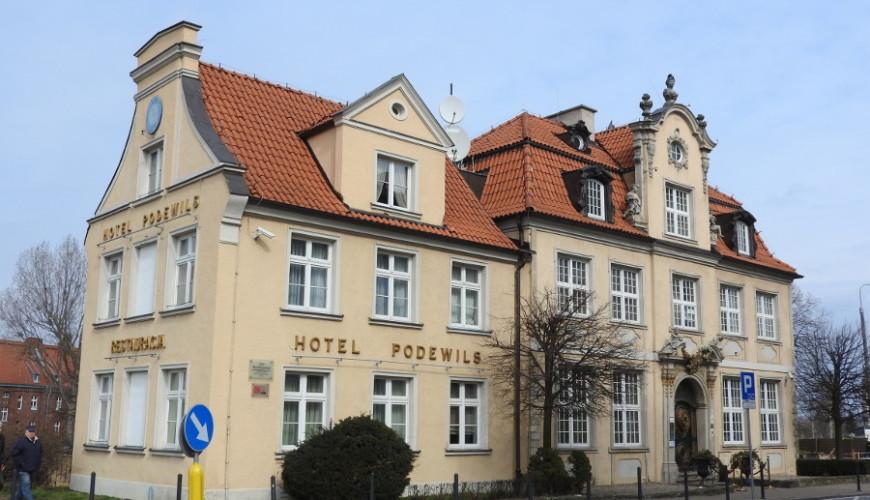 Dom pod Murzynkiem, obecnie hotel Podewils.