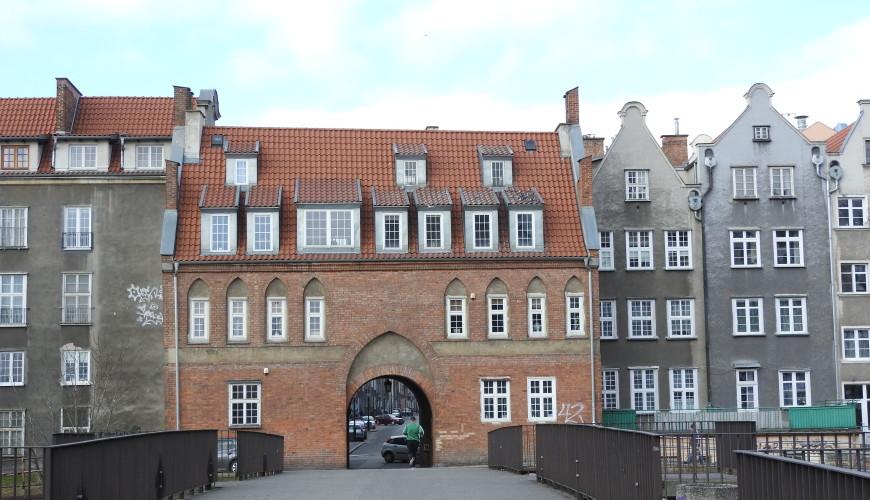 Brama Krowia otwiera ciąg gdańskich bram wodnych
