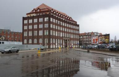 Budynek dawnej Kasy Chorych przy ul. Wałowej, projekt architekta Adolfa Bielefeldta