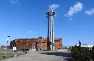 Plac Solidarności i Pomnik Poległych Stoczniowców 1970