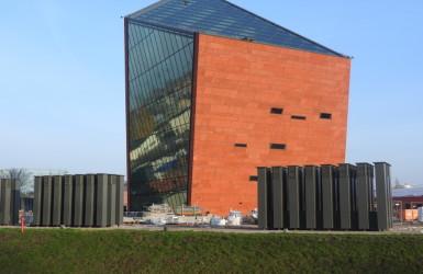 Charakterystyczna bryła Muzeum II Wojny Światowej