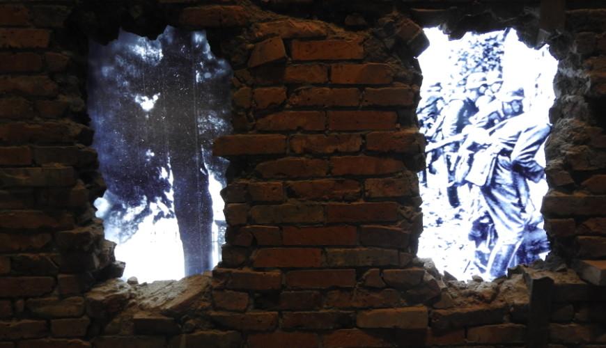 Nawiązanie do obrony polskiego Westerplatte
