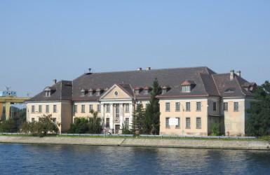 Budynek przedwojennej poczty morskiej.