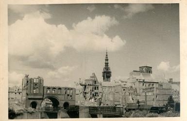 Powojenna panorama Głównego Miasta.  Źródło: zbiory Muzeum II Wojny Światowej