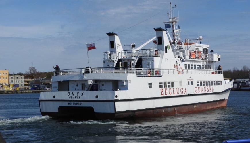 Katamaran Onyx. Statek pływał też pod banderą rosyjską jako Achtiar