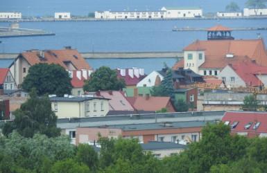 Helska panorama, w oddali Muzeum Rybołówstwa oraz port wojenny
