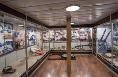 Wystawy opisują dzieje niszczyciela i historię Polskiej Marynarki Wojennej. Źródło: Muzeum Marynarki Wojennej