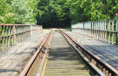 Od wielu lat most w Rutkach nie jest kolejowo eksploatowany.