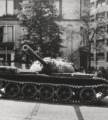 Odważne reformy nie spodobały się przywódcom bloku sowieckiego.