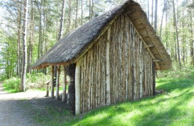 Stanowisko edukacyjne w Osadzie Łowców Fok.