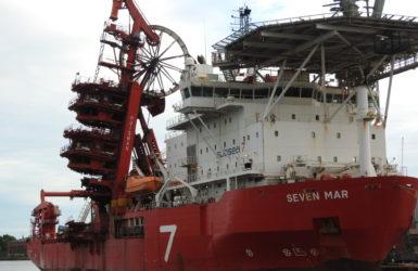 Statek Seven Mare do układanie rur na morskim dnie