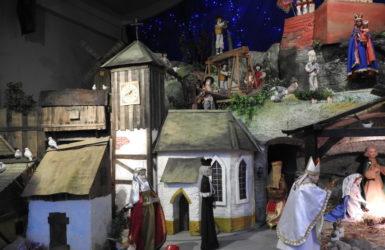 W kościele św. Trójcy znajduje się największa bożonarodzeniowa szopka w Trójmieście.