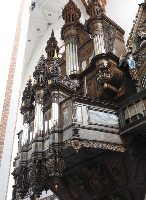 Organy w kościele św. Trójcy.