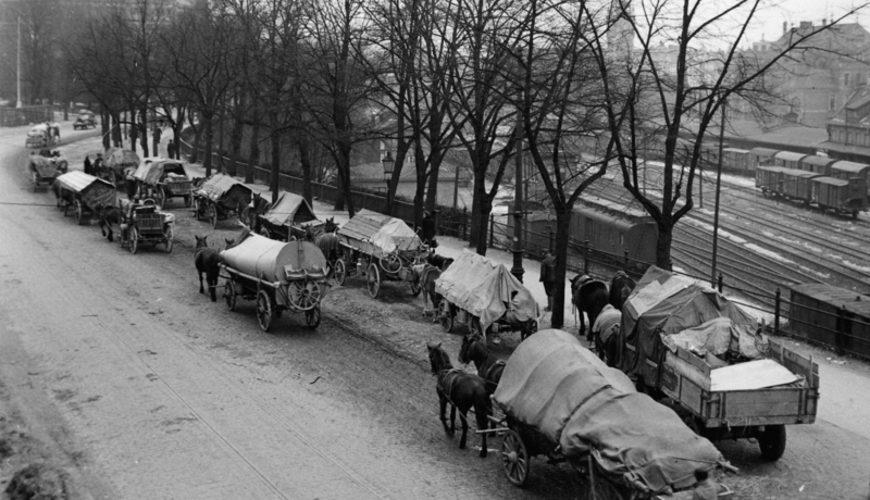 Uciekinierzy z Prus Wschodnich. Źródło: Bundesarchiv.
