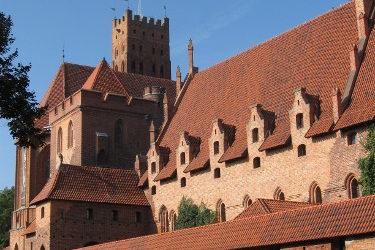 Zamek w Malborku to jedna z najwazniejszych atrakcji turystycznych w Polsce.