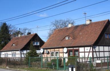 Zabytkowa zabudowa przy ulicy Olszyńskiej.