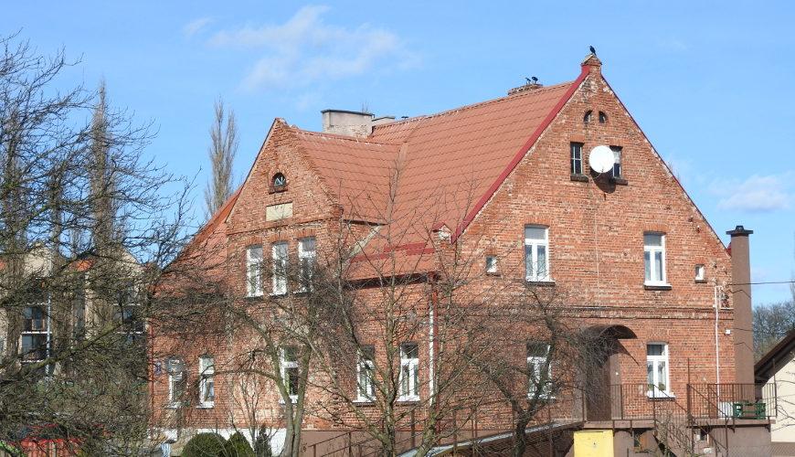 Zabytkowy budynek przy ul. Modrej 1.