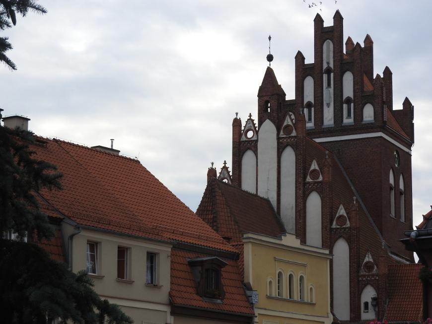 Kościół św. Mikołaja i gniewska zabudowa.