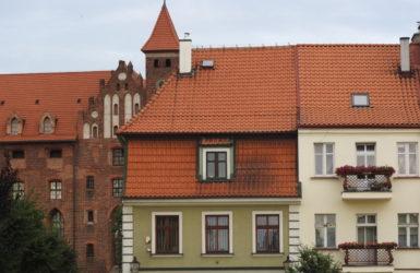 Kompozycja zamku i gniewskiej zabudowy.