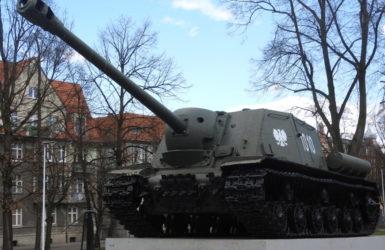 Działo samobieżne ISU-122 przy Placu 3 Maja.