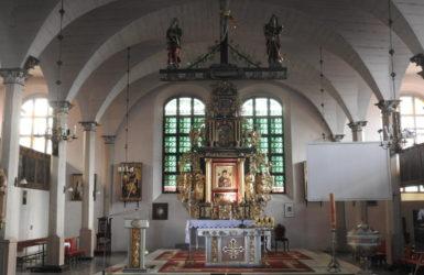 Wnętrze kościoła Matki Bożej Nieustającej Pomocy.