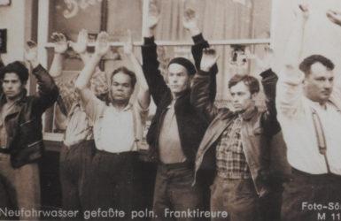 Polacy aresztowani w Nowym Porcie. Zdjęcie z wystawy.