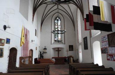 W zamkowej kaplicy.